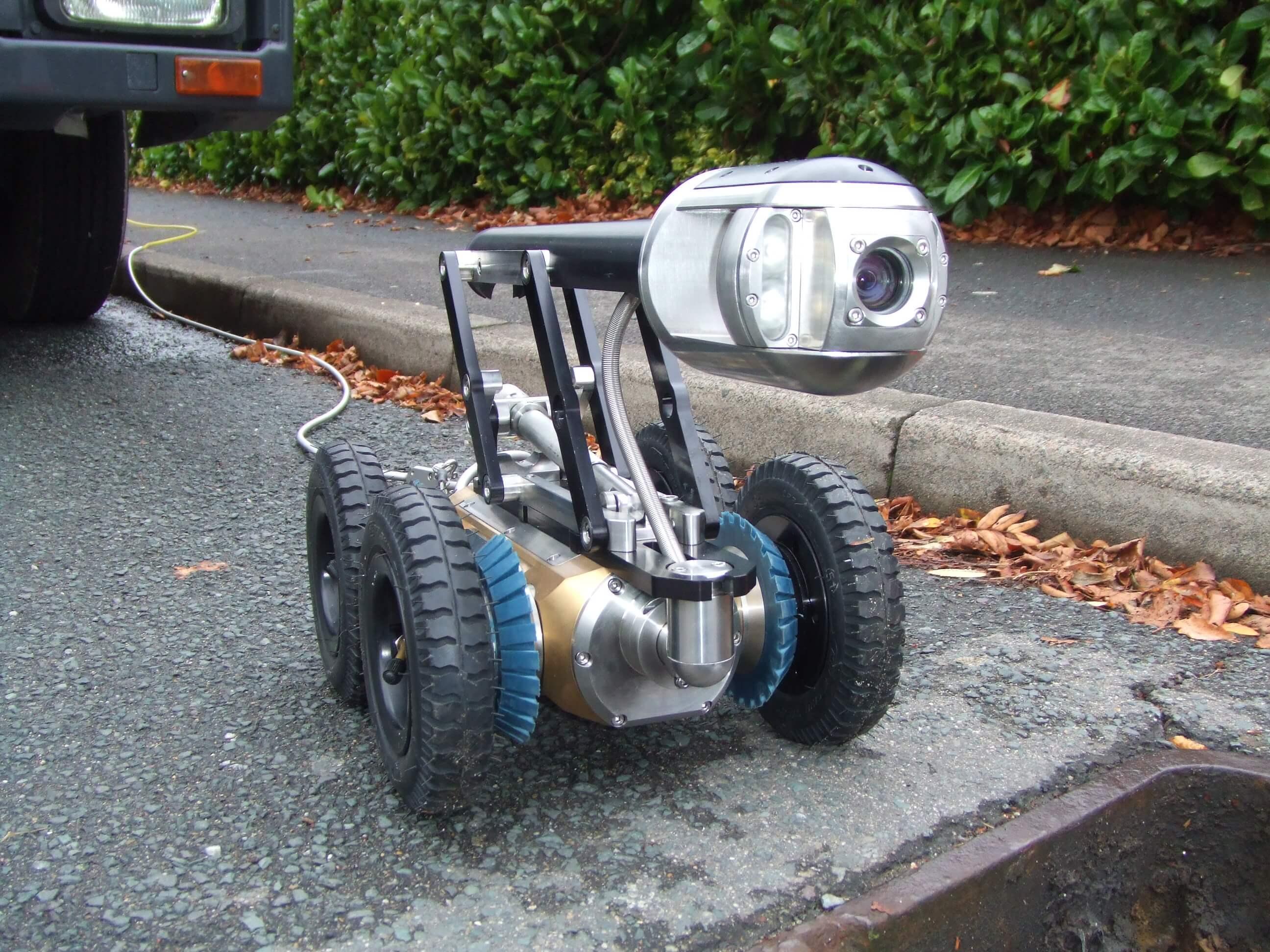 Crawler with Pan & Tilt camera(2)
